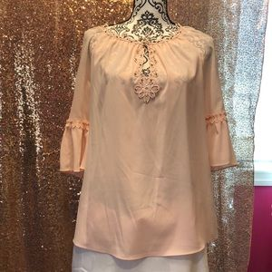 T tahari blouse with keyhole neckline